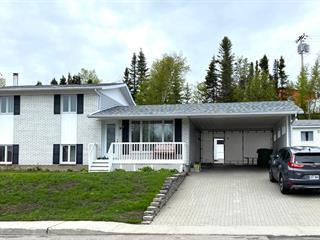 Maison à vendre à Baie-Comeau, Côte-Nord, 74, Avenue  Charles-Guay, 9727059 - Centris.ca