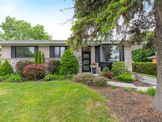 Maison à vendre à Boucherville, Montérégie, 700, Rue du Père-Le Jeune, 11176073 - Centris.ca