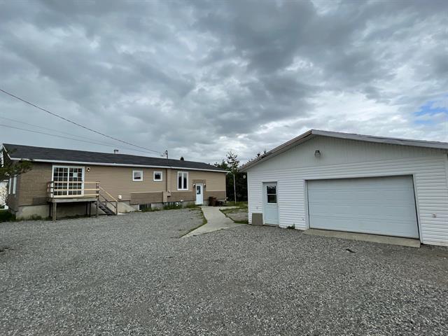 Maison à vendre à Saint-Félix-de-Dalquier, Abitibi-Témiscamingue, 111, Rue  Morin, 10060800 - Centris.ca