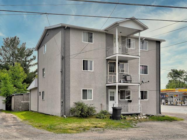 Quadruplex à vendre à Louiseville, Mauricie, 10 - 16, Avenue  Royale, 28293140 - Centris.ca