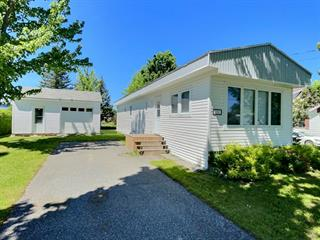 Mobile home for sale in Daveluyville, Centre-du-Québec, 232, Rue de la Gare, 26777812 - Centris.ca