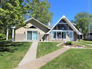 Chalet à vendre à Dolbeau-Mistassini, Saguenay/Lac-Saint-Jean, 580, Rue de l'Amicale, 16820652 - Centris.ca