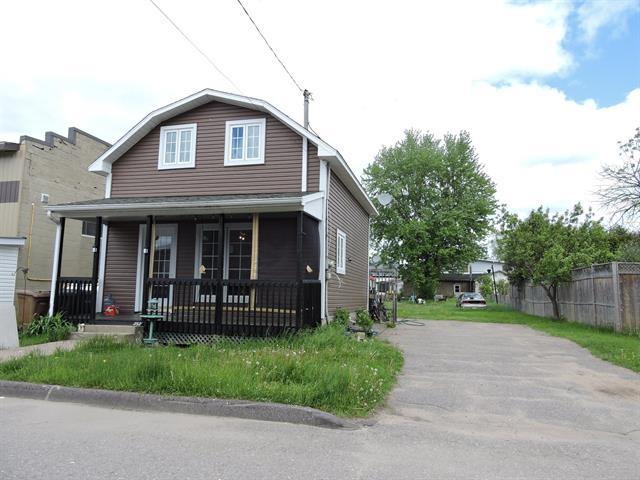 Maison à vendre à Ferme-Neuve, Laurentides, 252, 21e Avenue, 21914043 - Centris.ca