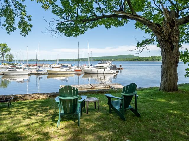Cottage for sale in Hudson, Montérégie, 12 - 14, Rue  Wharf, 27160038 - Centris.ca
