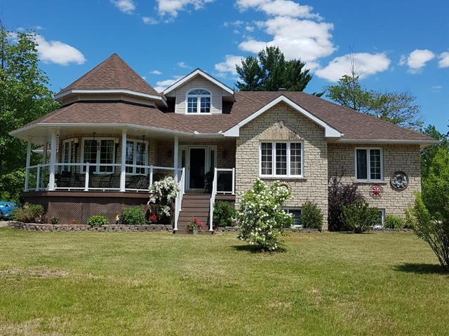 Maison à vendre à Mansfield-et-Pontefract, Outaouais, 42, Rue  France, 14998457 - Centris.ca