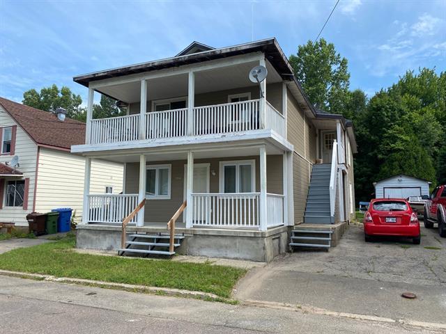 Duplex à vendre à Brownsburg-Chatham, Laurentides, 394A - 394C, Rue  Saint-Antoine, 21690811 - Centris.ca