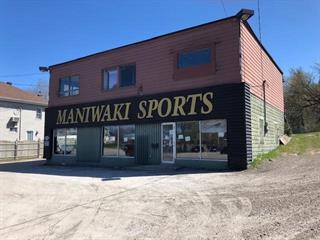 Bâtisse commerciale à vendre à Maniwaki, Outaouais, 401 - 403, Rue des Oblats, 10104923 - Centris.ca