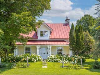Maison à vendre à Hatley - Municipalité, Estrie, 137, Rue  Main, 22912635 - Centris.ca