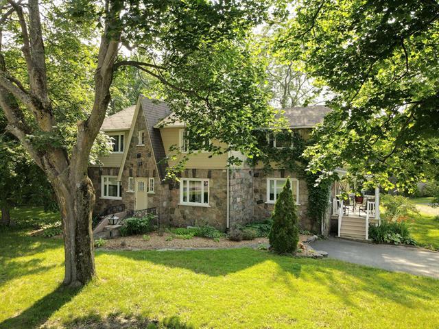 Maison à vendre à Saint-Jean-Port-Joli, Chaudière-Appalaches, 28, Avenue  De Gaspé Ouest, 14416949 - Centris.ca