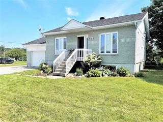 Maison à vendre à Normandin, Saguenay/Lac-Saint-Jean, 1285, Avenue  Ferland, 23367040 - Centris.ca