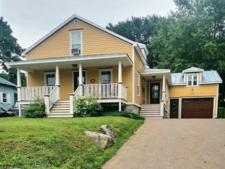 Maison à vendre à Victoriaville, Centre-du-Québec, 71, Rue  Laurier Est, 15715370 - Centris.ca