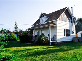 Cottage for sale in Port-Cartier, Côte-Nord, 2105, Rue  Monseigneur-Labrie, 21959906 - Centris.ca
