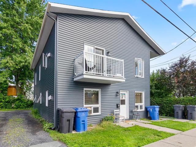 Triplex à vendre à Saint-Georges, Chaudière-Appalaches, 148 - 152, 22e Rue, 23945493 - Centris.ca