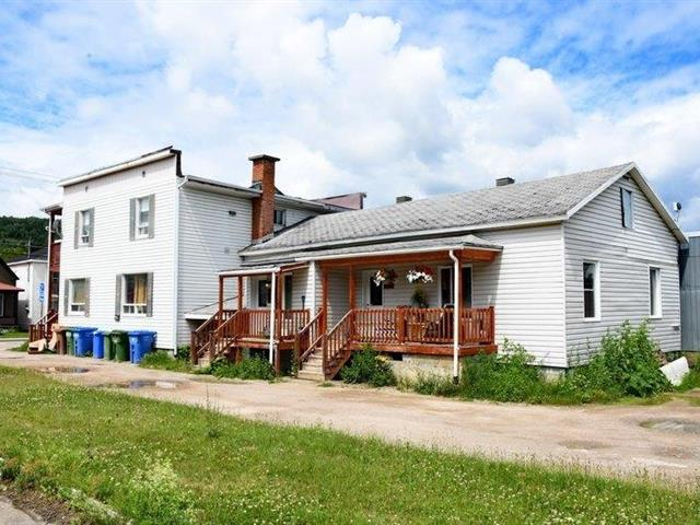 Quadruplex for sale in Saint-Urbain, Capitale-Nationale, 884 - 890, Rue  Saint-Édouard, 20344557 - Centris.ca