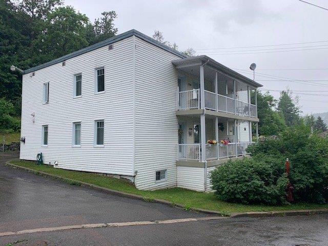 Quadruplex à vendre à Saguenay (Chicoutimi), Saguenay/Lac-Saint-Jean, 224 - 230, Rue du Bon-Conseil, 10478306 - Centris.ca