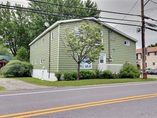 Duplex à vendre à Eastman, Estrie, 379 - 381, Rue  Principale, 25710782 - Centris.ca