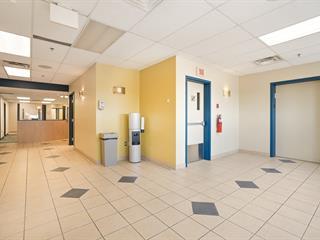 Commercial unit for rent in Brossard, Montérégie, 8330, boulevard  Taschereau, 16108272 - Centris.ca