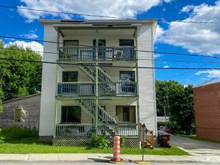 Triplex à vendre à Sherbrooke (Fleurimont), Estrie, 668 - 672, Rue  Papineau, 25155895 - Centris.ca