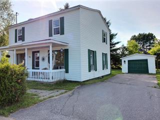 Maison à vendre à Saint-Adelphe, Mauricie, 111, Rue du Moulin, 19632308 - Centris.ca