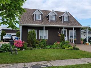 House for sale in Sept-Îles, Côte-Nord, 856, Avenue  Cartier, 28232138 - Centris.ca