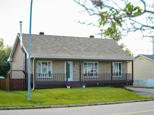 House for sale in Port-Cartier, Côte-Nord, 94, Rue  Élie-Rochefort, 13620540 - Centris.ca
