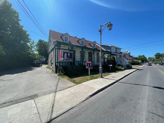 Commercial building for rent in Laval (Sainte-Rose), Laval, 152 - 154, boulevard  Sainte-Rose, 13313169 - Centris.ca