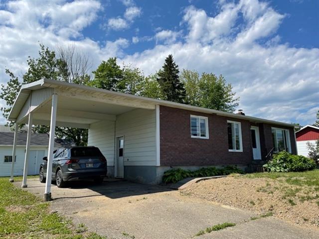 Maison à vendre à New Richmond, Gaspésie/Îles-de-la-Madeleine, 185, Chemin  Cyr, 24314139 - Centris.ca