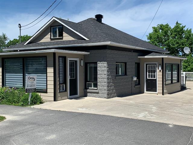 Maison à vendre à Lac-Mégantic, Estrie, 4722, Rue  Papineau, 21294751 - Centris.ca