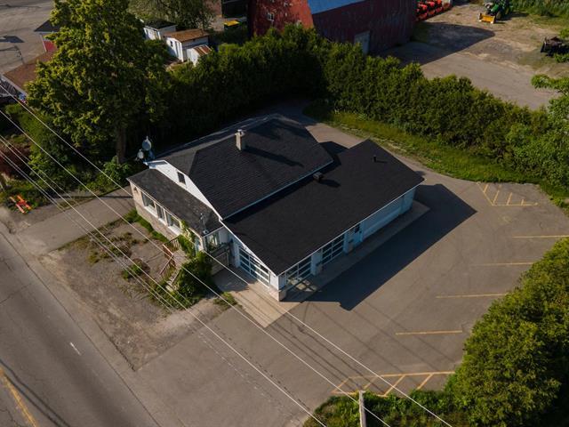 Duplex à vendre à Saint-Joseph-du-Lac, Laurentides, 133 - 135, Montée de la Baie, 16630610 - Centris.ca