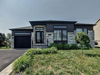 Maison à vendre à Lachute, Laurentides, 244, Rue du Grenoble, 28234700 - Centris.ca