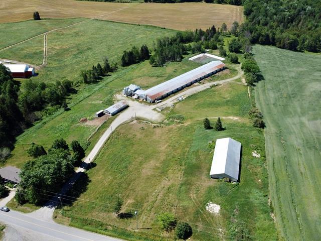 Ferme à vendre à Saint-Christophe-d'Arthabaska, Centre-du-Québec, 81, 8e Rang, 25183023 - Centris.ca