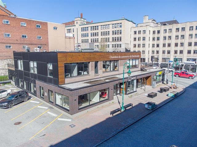 Commercial unit for rent in Sherbrooke (Les Nations), Estrie, 13, Rue  Wellington Sud, 11640272 - Centris.ca