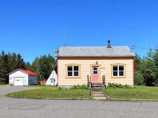 Maison à vendre à Rouyn-Noranda, Abitibi-Témiscamingue, 9213, Rue  Saguenay, 23247744 - Centris.ca