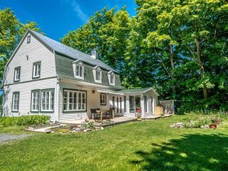 House for sale in Sainte-Pétronille, Capitale-Nationale, 8678, Chemin  Royal, 28979589 - Centris.ca