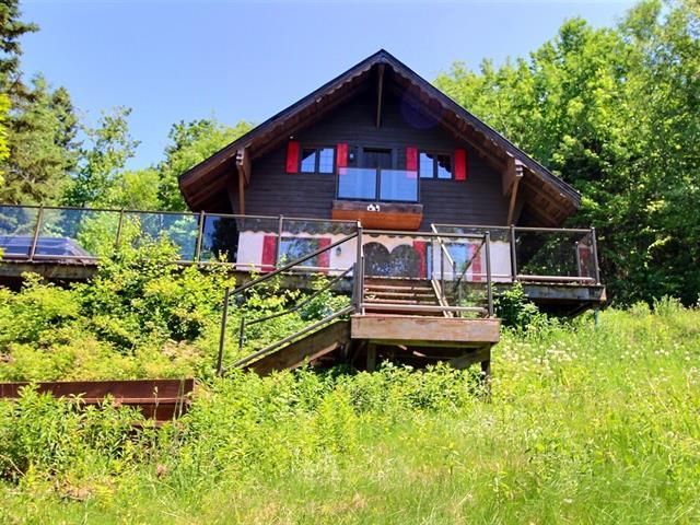 Cottage for sale in Saint-Tite-des-Caps, Capitale-Nationale, 69, Avenue de la Montagne, 10398776 - Centris.ca