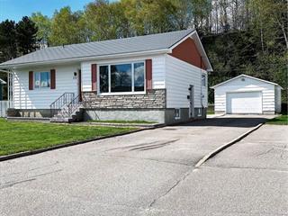 Maison à vendre à Baie-Comeau, Côte-Nord, 272, Rue de la Falaise, 21030609 - Centris.ca