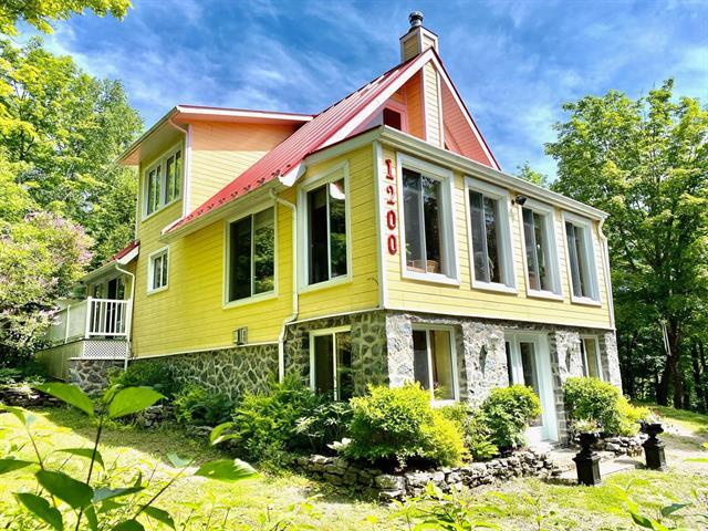 Chalet à vendre à Lac-aux-Sables, Mauricie, 1200, Chemin  Grosleau, 14336487 - Centris.ca