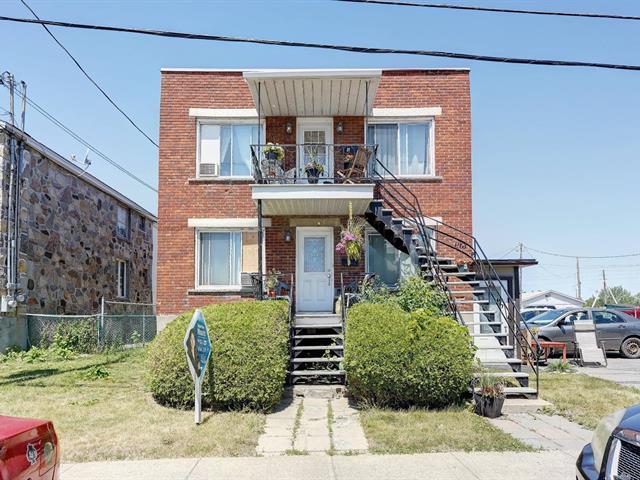 Duplex à vendre à Laval (Chomedey), Laval, 9 - 11, Rue  Saint-Michel, 13259778 - Centris.ca