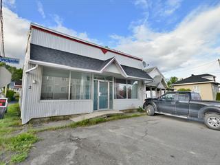 Immeuble à revenus à vendre à Dégelis, Bas-Saint-Laurent, 291 - 301, Avenue  Principale, 14809727 - Centris.ca
