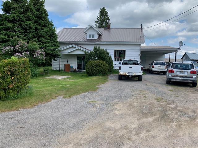 House for sale in Sainte-Hedwidge, Saguenay/Lac-Saint-Jean, 188, 6e Rang, 17417745 - Centris.ca