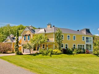 Maison à vendre à Ayer's Cliff, Estrie, 815, Rue  Main, 15436140 - Centris.ca