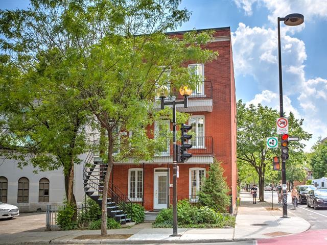 Triplex for sale in Montréal (Ville-Marie), Montréal (Island), 2422 - 2426, Rue  D'Iberville, 18958206 - Centris.ca