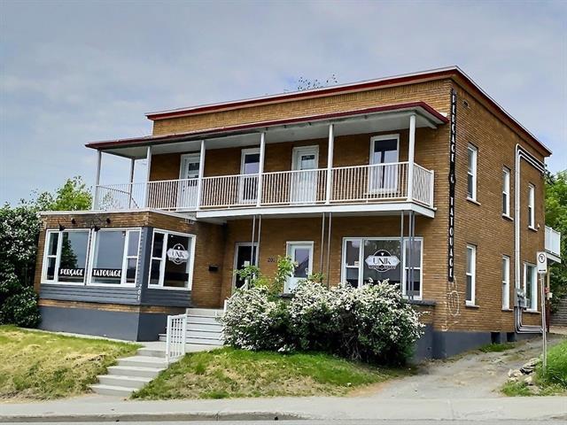 Triplex for sale in Sherbrooke (Fleurimont), Estrie, 201 - 205, Rue  King Est, 19585653 - Centris.ca