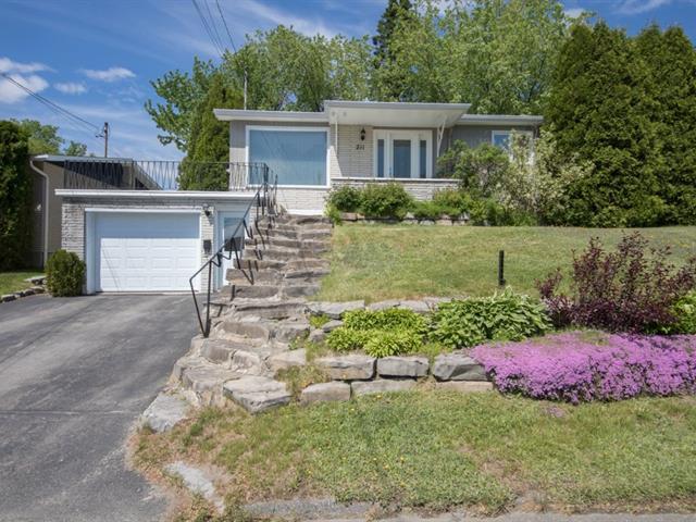 House for sale in Alma, Saguenay/Lac-Saint-Jean, 211, Rue  Sainte-Anne, 11469308 - Centris.ca