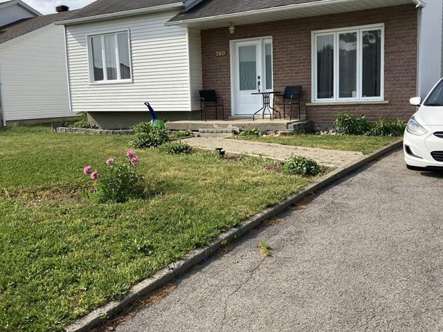 Maison à vendre à Saint-Rémi, Montérégie, 260, Rue  Majeau, 25527335 - Centris.ca