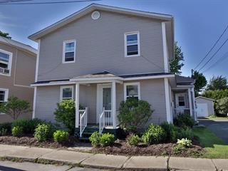 Duplex à vendre à Acton Vale, Montérégie, 1104 - 1106, Rue  Dubois, 19775015 - Centris.ca