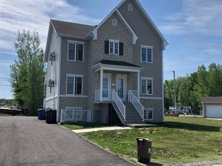 Triplex à vendre à Les Coteaux, Montérégie, 209, Rue  Richer, 23685582 - Centris.ca