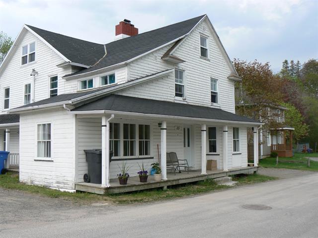 Duplex à vendre à Saint-Pacôme, Bas-Saint-Laurent, 35 - 37, Rue  Saint-Alphonse, 10884125 - Centris.ca