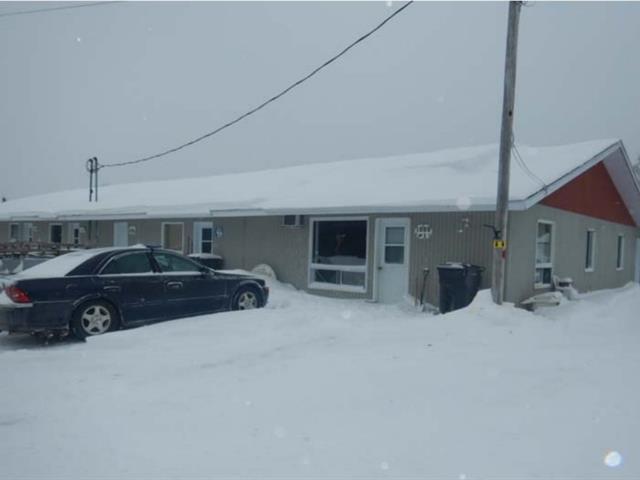 Immeuble à revenus à vendre à Saint-Roch-de-Mékinac, Mauricie, 1093 - 1099, Route  Ducharme, 19166796 - Centris.ca