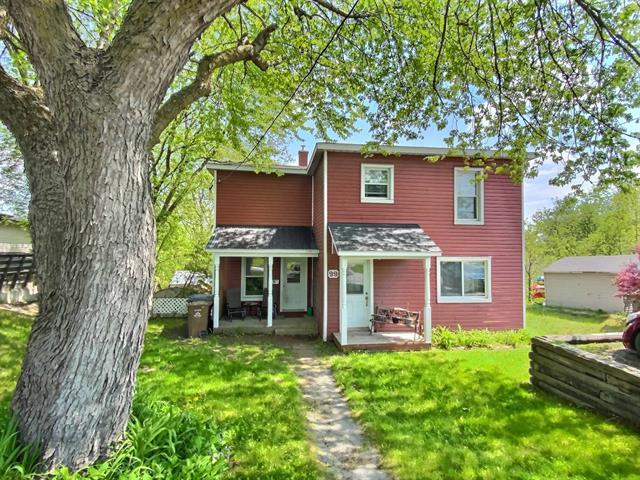 Maison à vendre à East Angus, Estrie, 99, Rue  Angus Sud, 19141667 - Centris.ca